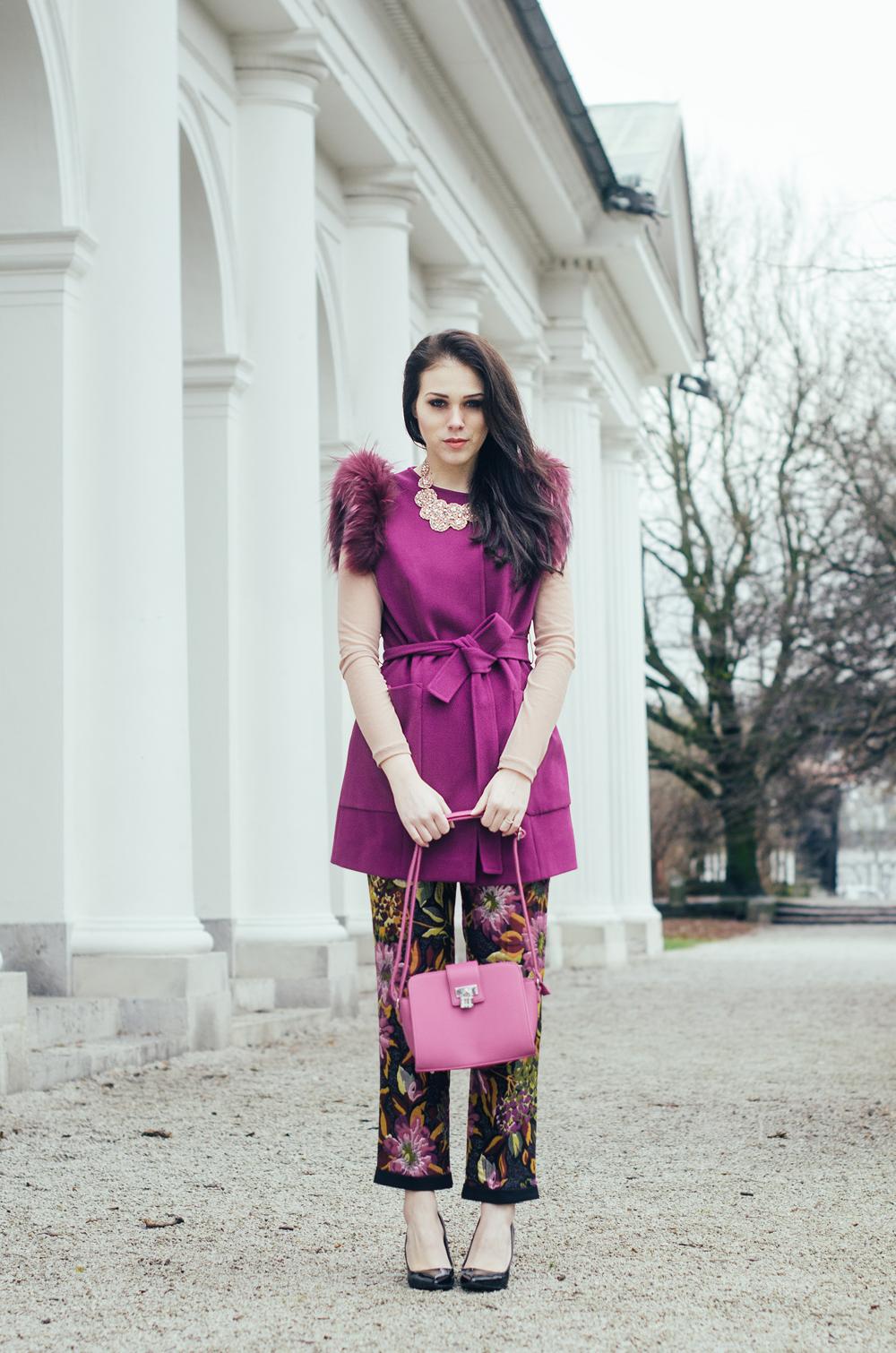 Eva Ahačevčič Love, Eva Terminal3 Cvetlični potisk Krzno Rožnata barva