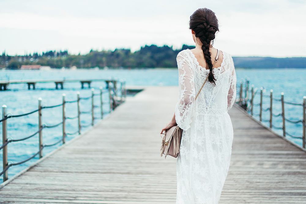Eva Ahačevčič_Love, Eva_OOTD_FAshion blogger_Terminal 3_WHite dress_Bohemian_Summer_Romantic