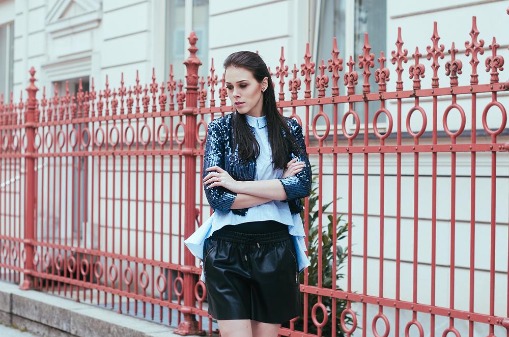 Eva Ahačevčič_Love, Eva_Terminal3_OOTD_Leather shorts_Glitters