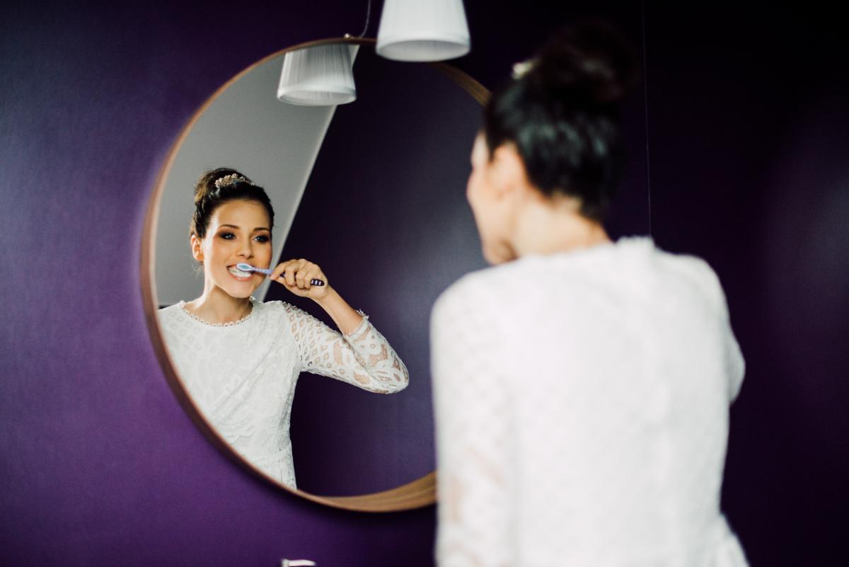 """Itak, da sem se na umivanje zob spomnila, ko sem imela že ves make-up """"ready"""" :)))"""