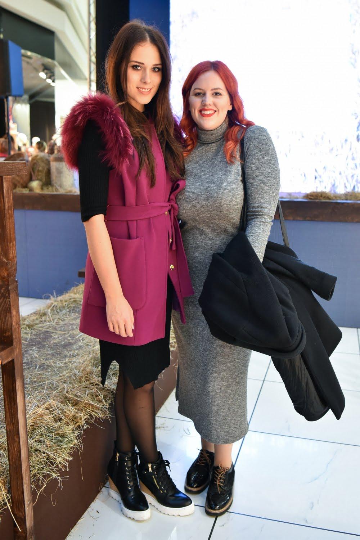 Jaz in Nataša Mernik, ustvarjalka bloga anakrejevska