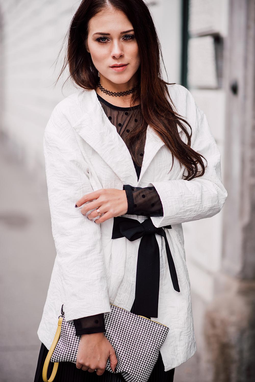 eva-ahacevcc_love-eva_pleated-skirt_black-and-white_ootd-1