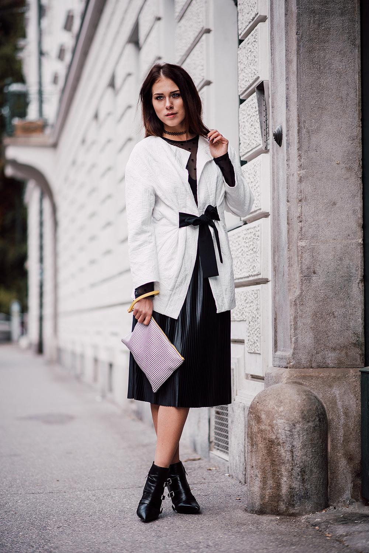 eva-ahacevcc_love-eva_pleated-skirt_black-and-white_ootd-11