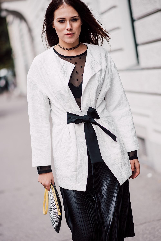 eva-ahacevcc_love-eva_pleated-skirt_black-and-white_ootd-5