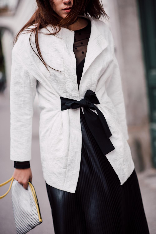 eva-ahacevcc_love-eva_pleated-skirt_black-and-white_ootd-7