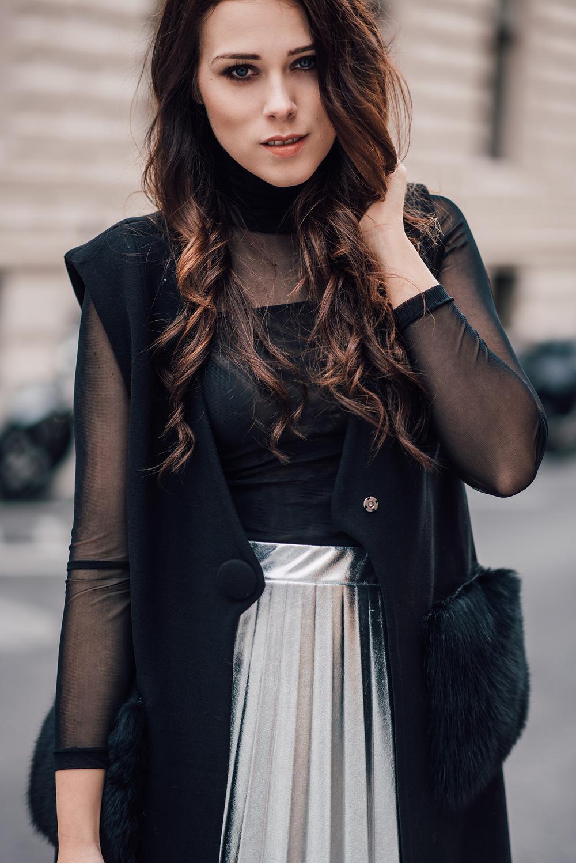 eva-ahacevcic_love-eva_pleated-skirt_silver-skirt_terminal3_feminine-style-4