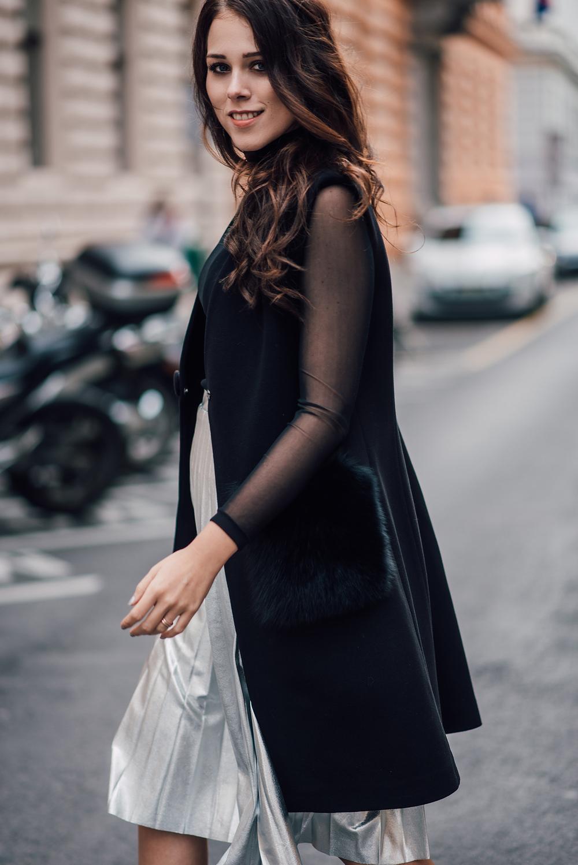 eva-ahacevcic_love-eva_pleated-skirt_silver-skirt_terminal3_feminine-style-7