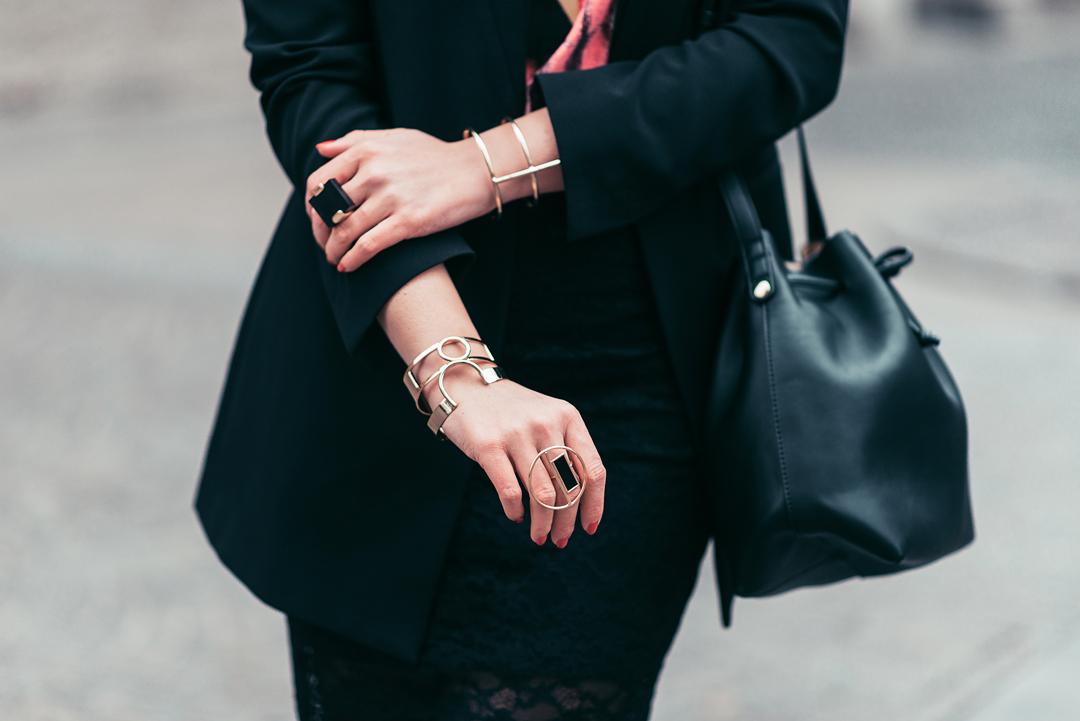 eva-ahacevcic_love-eva_ootd_six-accessories_zara-skirt_blazer_parfois-shoes_style_fashion-11