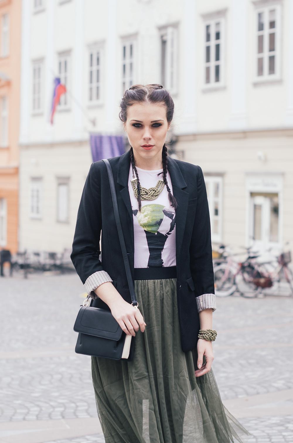 Eva Ahačevčič_Love, Eva_Tutu skirt_Katja Koselj Jewelry_Double boxer bradis_OOTD_Street style 4