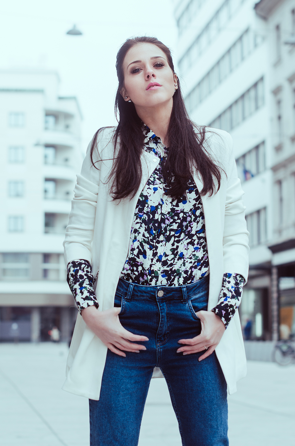 Eva Ahačevčič_Love, Eva_Banana Republic_Mom's jeans_OOTD 1