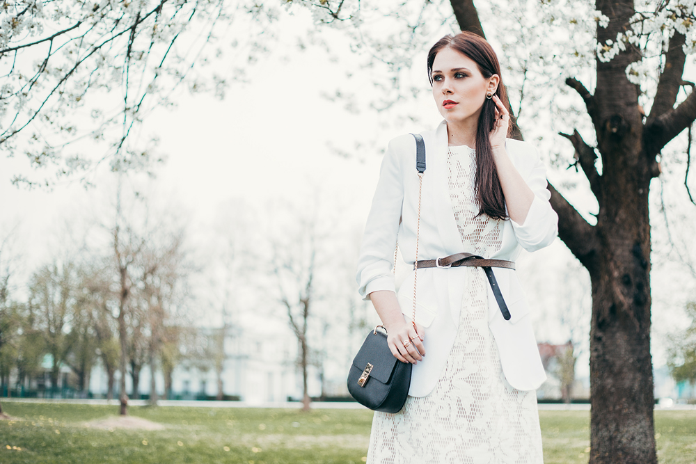 Eva AHačevčič_Love, Eva_Bela obleka_Čipkasta obleka_OOTD