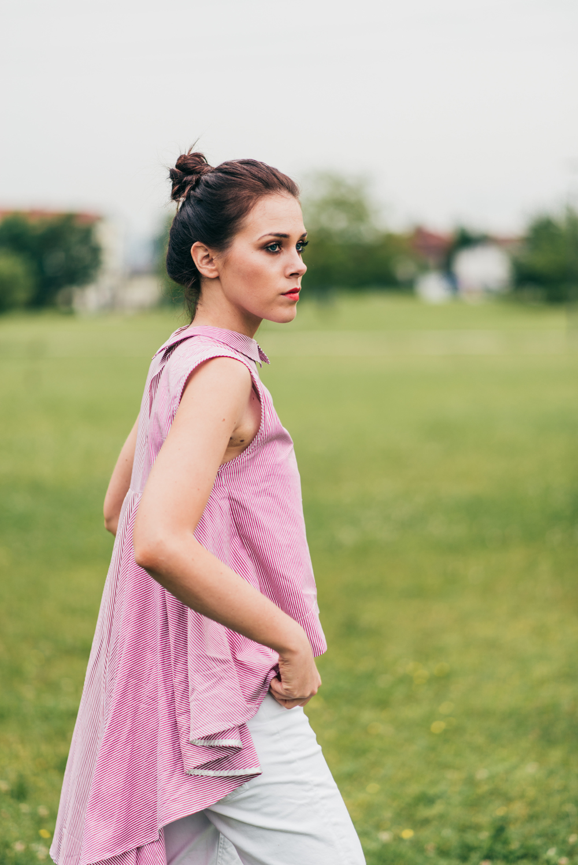 Eva Ahačevčič_Love, Eva_OOTD_Asymetric shirt_White jeans_Terminal3 3