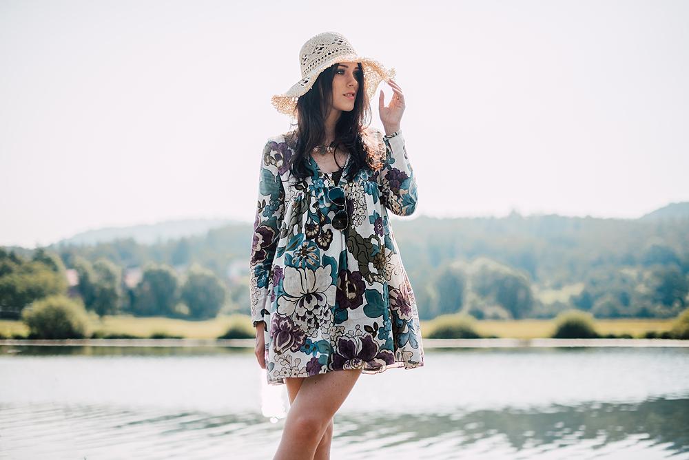 Eva Ahačevčič_Love, Eva_OOTD_Podpeško jezero_uROPE sandals_Straw hat_Bikini H&M_Dress Zara 1
