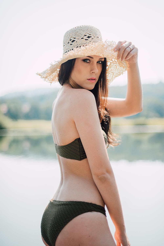 Eva Ahačevčič_Love, Eva_OOTD_Podpeško jezero_uROPE sandals_Straw hat_Bikini H&M_Dress Zara 11