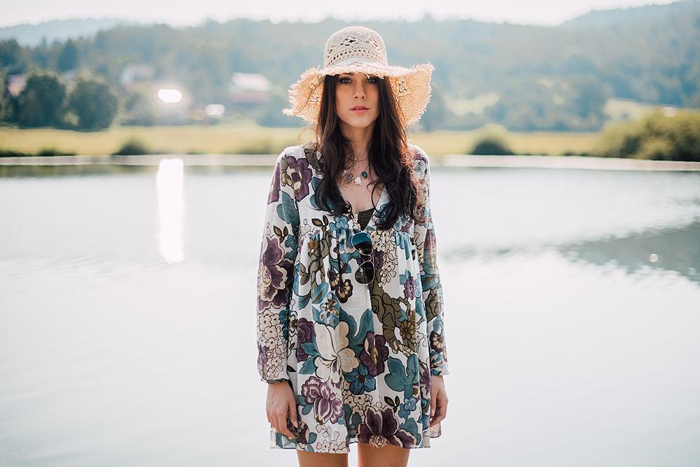 Eva Ahačevčič_Love, Eva_OOTD_Podpeško jezero_uROPE sandals_Straw hat_Bikini H&M_Dress Zara