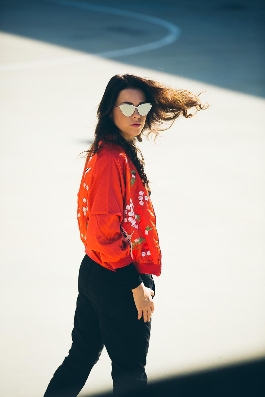 Eva Ahačevčič_Love, Eva_OOTD_Style of the day_Bomber jaket_Boyfriend jeans_Terminal 3_Le Specs Sunglasses_Bag_Diesel 9