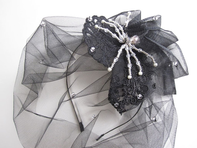 halloween-diy-widow-hair-accessories