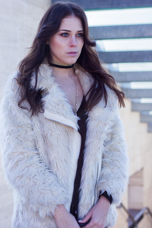 eva-ahacevcic_love-eva_zara_leather-pants_faux-fur-jacket_naomi-campbell_spar_bag-10